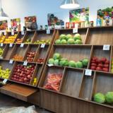 Rafturi legume fructe