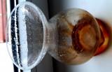 Vaza confectionata manual minutios sticla veche colectie antichitati