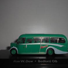 Macheta autobuz Ron W.Dew. - Bedford OB - Atlas scara 1:72