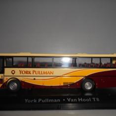 Macheta autobuz York Pullman - Van Hool T8 - Atlas scara 1:72