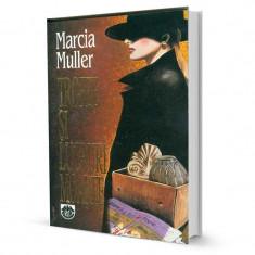 Trofee si lucruri moarte - Marcia Muller - Carte politiste
