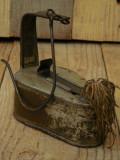 OPAIȚ MARE ȘI VECHI CONFECȚIONAT MANUAL DIN TABLĂ, LAMPĂ PRIMITIVĂ PE UNTDELEMN!, Scule si unelte