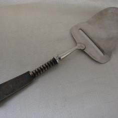 Frumoasa piesa daneza de bucatarie cu maner placat cu argint, Tacamuri