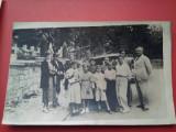 Fotografie cimitir al eroilor, tunuri, grup si masini de epoca