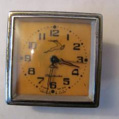 PVM - Ceas de masa mai vechi functional URSS / caprioara