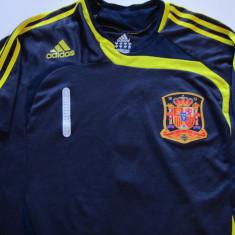 Tricou ADIDAS fotbal SPANIA - nr. 1 portarul CASILLAS - Tricou echipa fotbal, Marime: M, Culoare: Din imagine, Nationala, Maneca scurta