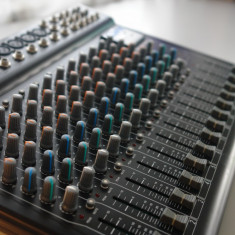 Mixer profesional SOUNDKING AS1802BDG 10 MIC/LIN + 2 STEREO - Mixere DJ