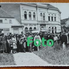 2 fotografii , Constantinescu Iasi in vizita la Fagaras