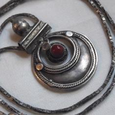 Medalion argint TRIBAL cu CORAL superb MAURITANIA vintage VECHI pe Lant argint - Bijuterie veche