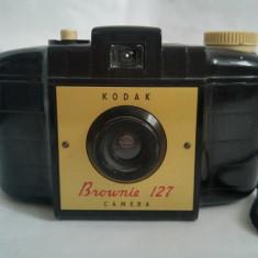 Aparat foto Kodak Brownie 127 Camera, functional, pentru film - Aparate Foto cu Film