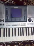 Yamaha psr s700