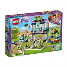 Stadionul Lui Stephanie - LEGO Friends