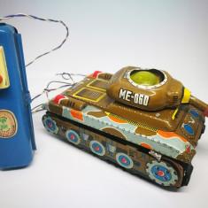 Jucarie chinezeasca cu telecomanda ME 060 Tank. - Jucarie de colectie