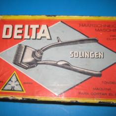 Masina tuns Delta Solingen Nr.00 stare buna. Lungime 15, maner 8.5, cap 4.5 cm.
