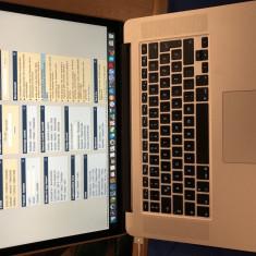 Apple MacBook Pro, 15 inches, Intel Core i7, 256 GB