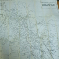 Oradea municipiul 1980 harta Bisca Costea Bucureanu 60 x 60 cm alb - negru