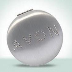 Oglinda cu aplicatii din cristal - Avon - NOU