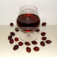Vin de macese bio (de munte) – un remediu naturist de top, Romania