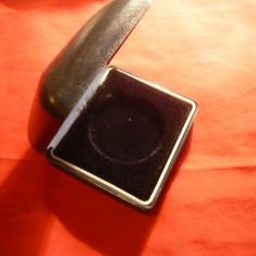 Cutie pt. medalii, din plastic cu diametrul interior = 5 cm