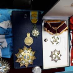 4 ordine si decoratii:San Marino, Somalia, Iraq si Iran..