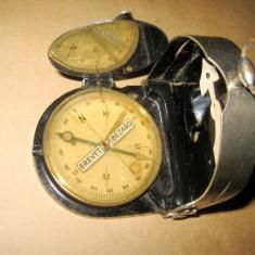 Busola veche Bezard Kompass stare buna, functionala, husa originala
