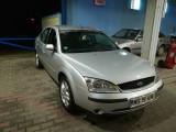 Ford Mondeo 1.8 L GHIA 2001, Benzina, Hatchback