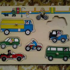 Autovehicule / puzzle din lemn 7 piese (+12 luni)