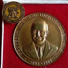 TELECOMUNICATII - Tehnic - Ing. DIMITRIE LEONIDA - Medalie si Insigna, la cutie - Medalii Romania