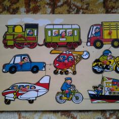 Vehicule / puzzle din lemn 9 piese (+12 luni)