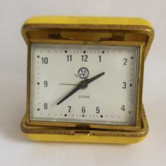Ceas de calatorie Victoria, romanesc, 8 rubine, vechi, nefunctional