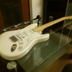 Fender Stratocaster Standard HSS - Chitara electrica