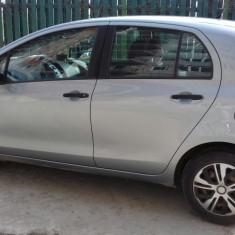 Toyota yaris impecabila, An Fabricatie: 2006, Benzina, 176506 km, 1300 cmc