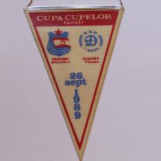 Fanion fotbal DINAMO BUCURESTI - KS DINAMO TIRANA (Cupa Cupelor 26.09.1989)