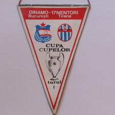 Fanion fotbal DINAMO BUCURESTI - 17 NENTORI TIRANA (Cupa Cupelor 01.10.1986)