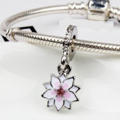 Charm talisman FLOARE MAGNOLIE - pandantiv pentru bratara Pandora - Bratara argint pandora, Femei