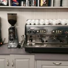Vand Espressor Astoria C.M.A. (Vania) + 3 Rasnite cafea + filtru de apa, Automat