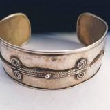 Brățară din argint cu spirale, model vintage