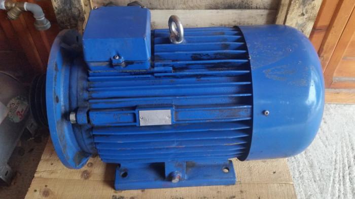 motor electric 30 kw/3000 turatii pe minut foto mare