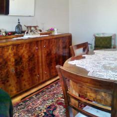 Sufragerie stil,din lemn cu furnir rădăcină nuc-perioada interbelică