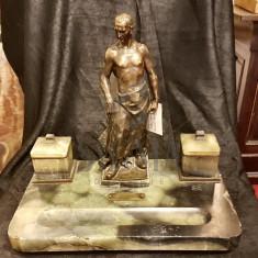 CALIMARA DE BIROU, AUTOR FERDINAND LUGERTH 1885-1915 - FERDINAND LUGERTH 1885-1915 - Sculptura