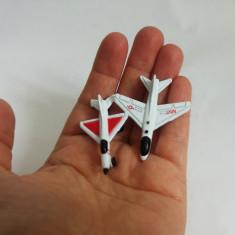 2 avioane avion metal, miniatura, 4 cm, diorama, decor