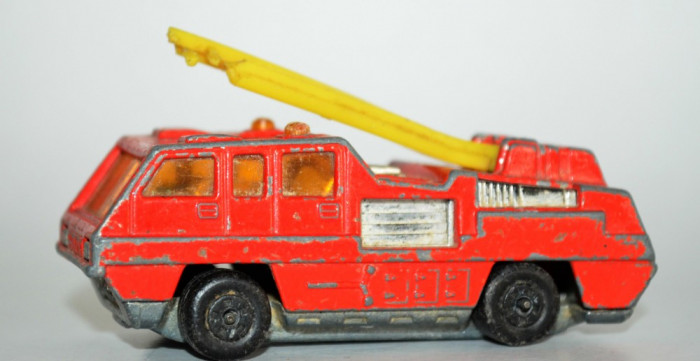 Macheta Matchbox Superfast no 22 Blaze Buster foto mare