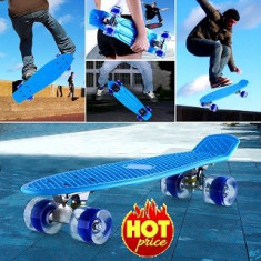 Penny Board, 56 cm, Roti Silicon Cu Lumini Albastru - Skateboard, Marime: 22