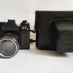 Aparat foto Zenit ET cu obiectiv Helios 44-2 2/58, filtru M49, etui