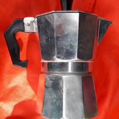 CAFETIERA CAFEA  . APROAPE NOUA .