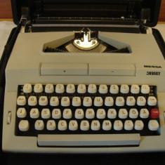 Masina de scris MESSA 3002+banda noua de scris