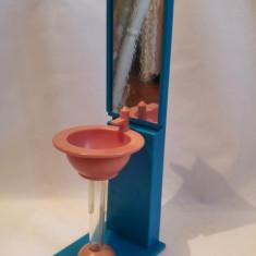 Mobilier baie papusi - chiuveta cu oglinda, plastic, 32 cm