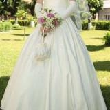 Rochie de mireasa din colectia White Pearl, culoare ivoire