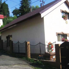 Vand casa/vila de vacanta P+M, Poiana Tapului