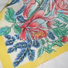 BATIC MODEL FLORAL DIN JORJET - Batic Dama, Culoare: Multicolor